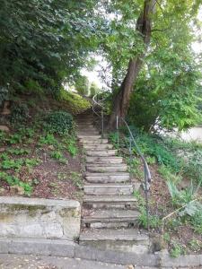 Auvers-sur-Oise: steps